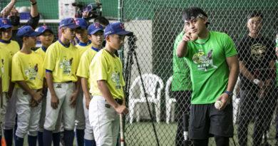 《棒球》林子偉棒球教室前進桃園 好友鄧愷威助陣